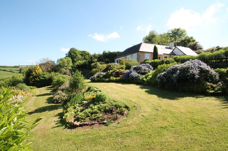 Raleigh Lodge a british holiday cottage for 6 in ,