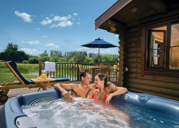 Weybread Lakes Lodges Holiday Lodges in Suffolk
