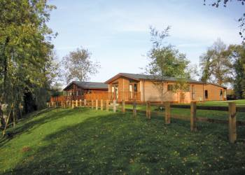 Wicksteed Lakes Lodges Holiday Lodges in Northamptonshire