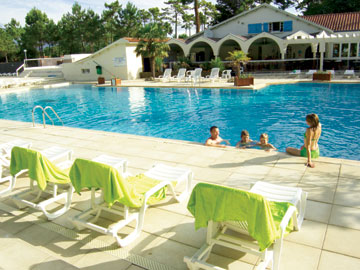 Le Bois Dormant Holiday Lodges in Loire