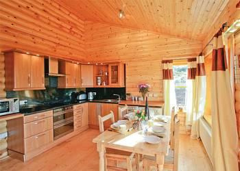 Duncrievie Log Cabins