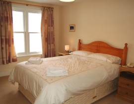 Brookside sleeps 6