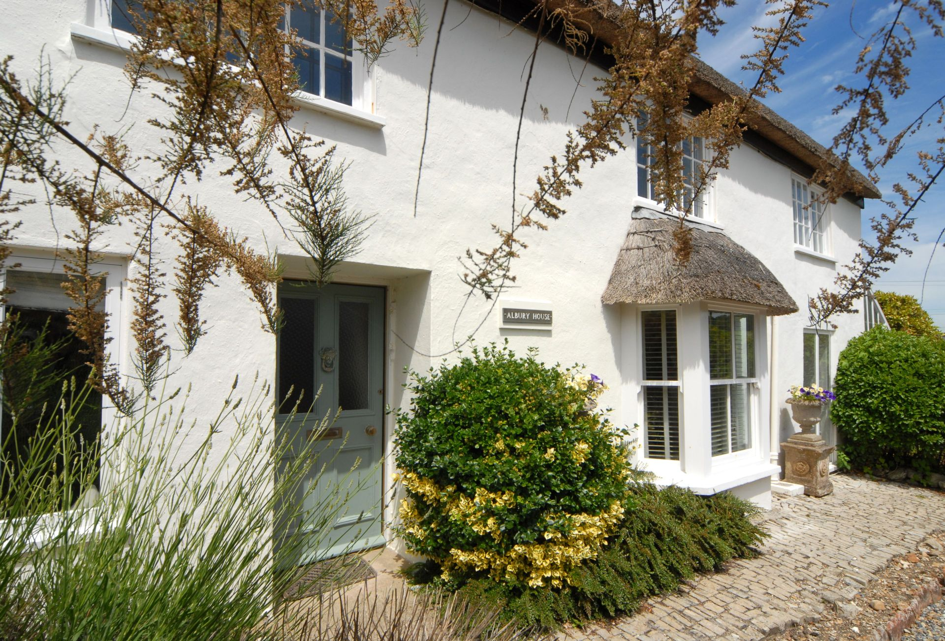 Albury House a british holiday cottage for 10 in ,