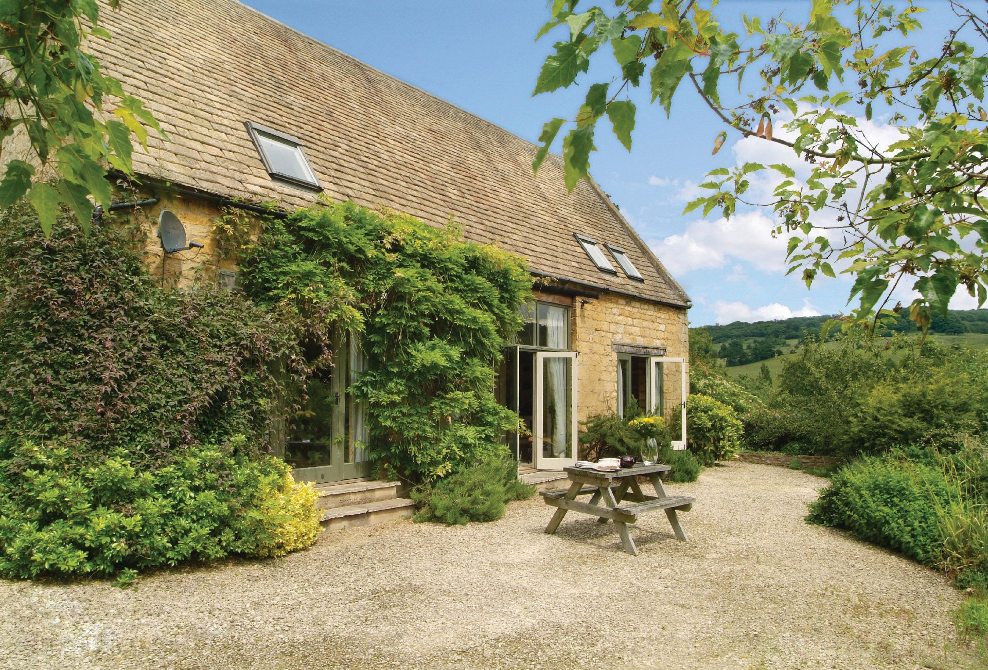 Buckland Wood Barn a british holiday cottage for 4 in ,
