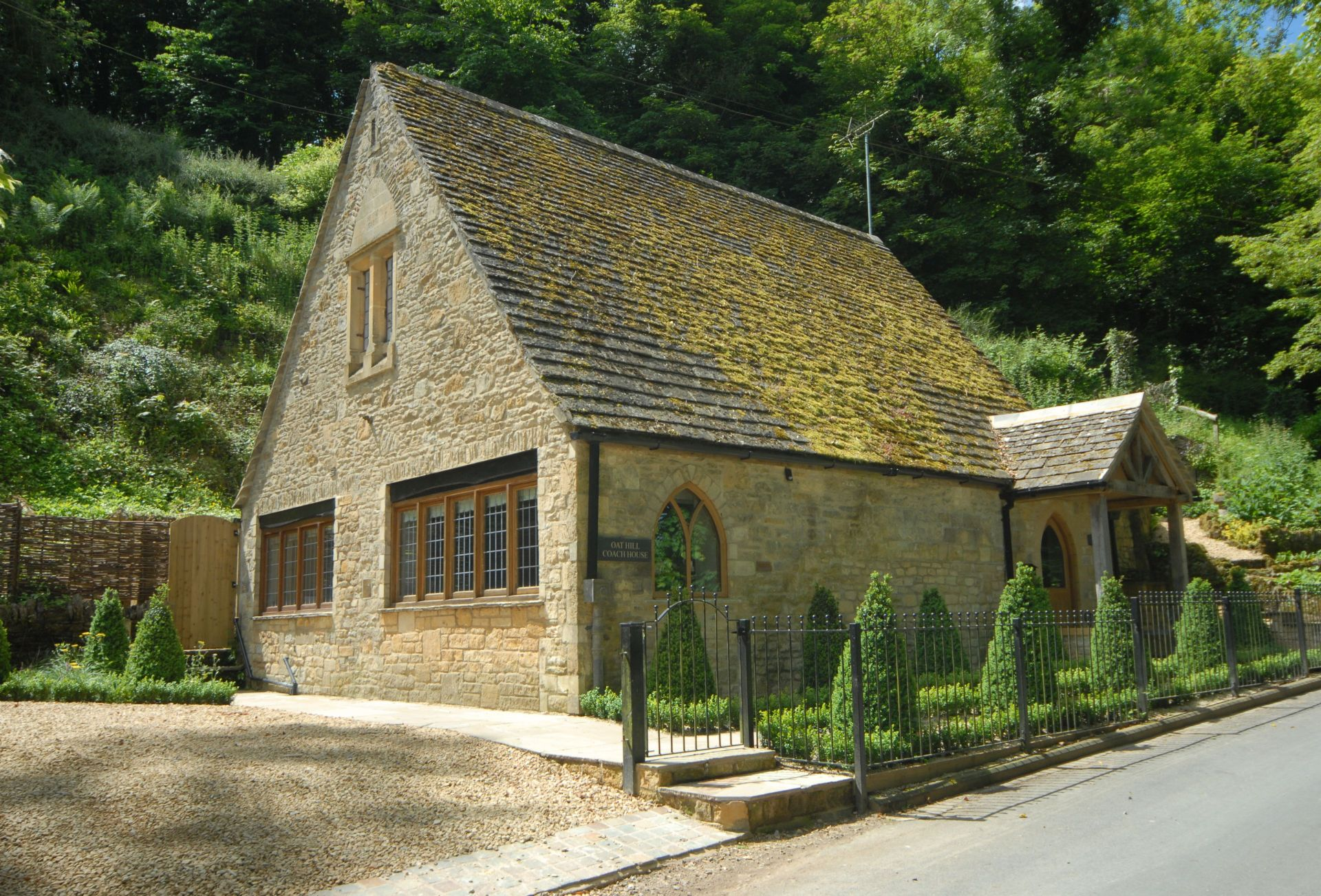 Oat Hill Coach House a british holiday cottage for 6 in ,