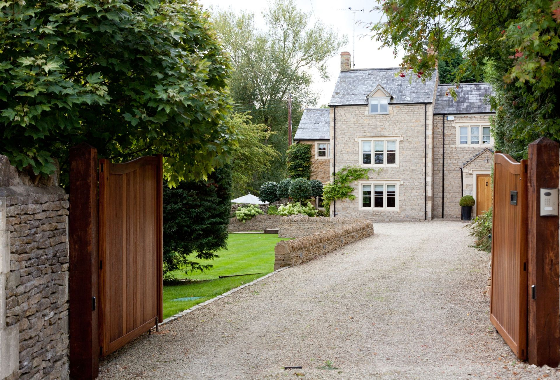 Pear Tree Cottage (Oddington) a british holiday cottage for 8 in ,