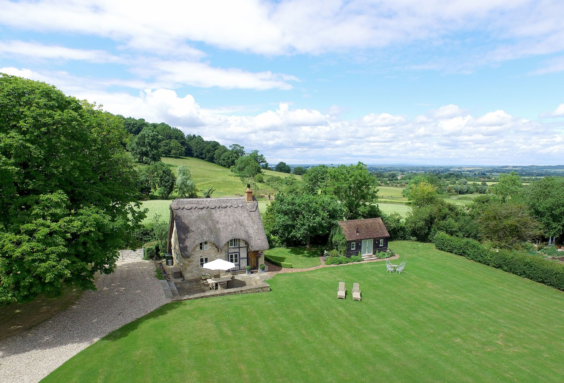 Field Cottage & Garden Room a british holiday cottage for 4 in ,