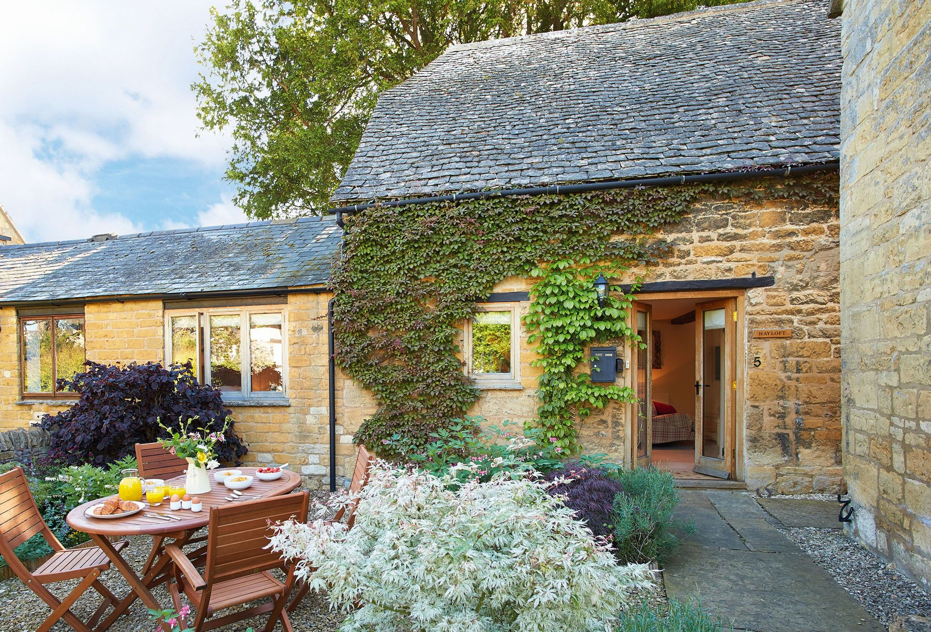 Hay Loft a british holiday cottage for 4 in ,