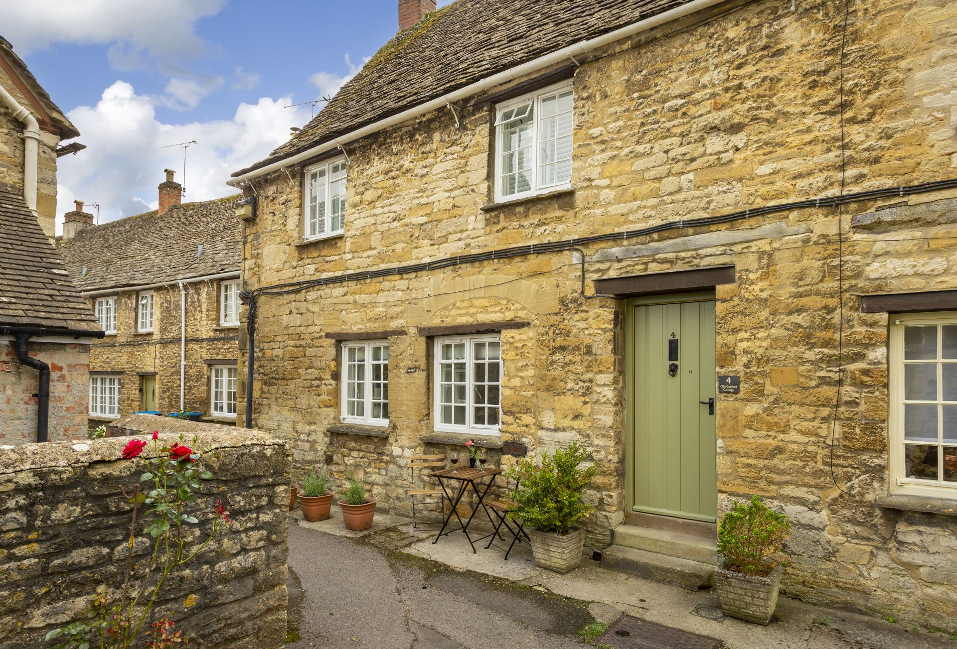 Old Burford Cottage a british holiday cottage for 4 in ,