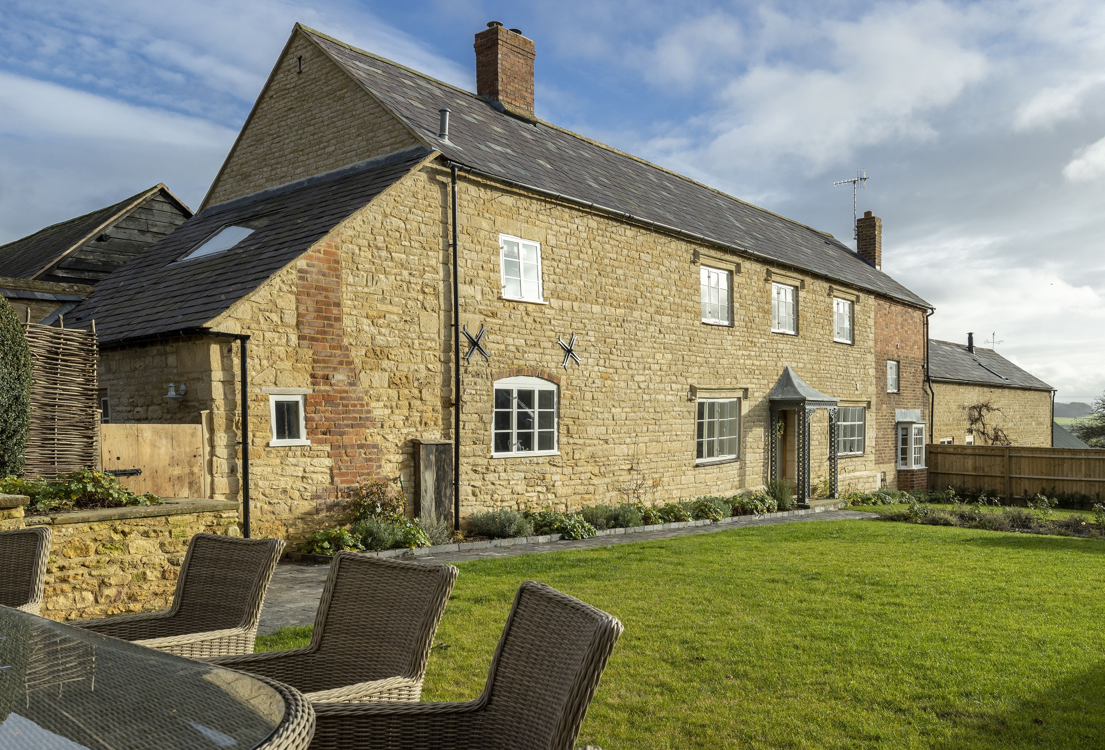 Manor Farm a british holiday cottage for 10 in ,