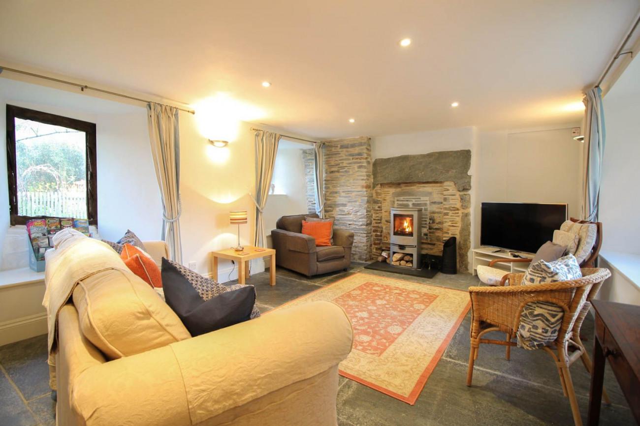 Fontevrault Cottage a british holiday cottage for 6 in ,