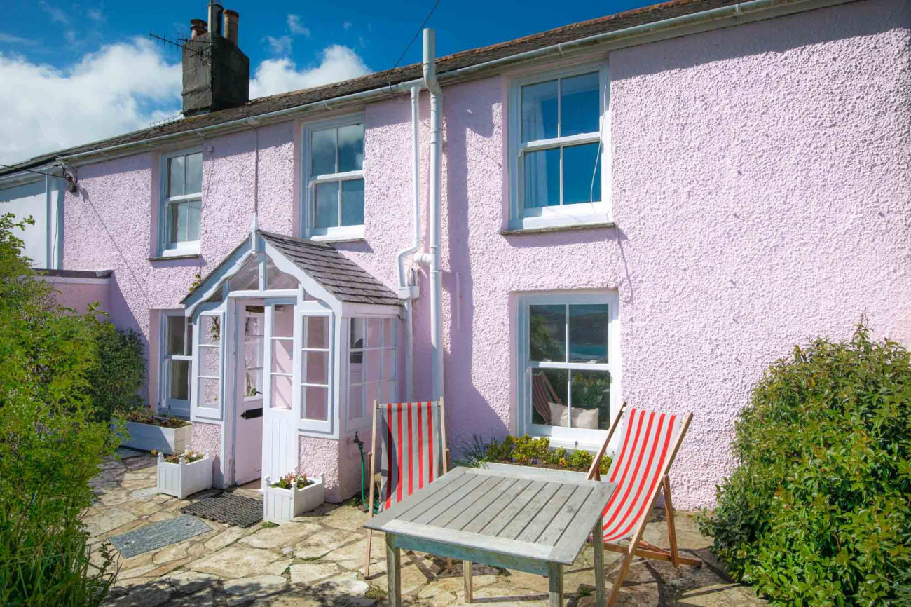 Camellia Cottage a british holiday cottage for 6 in ,