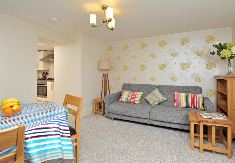 30 Trinity Mews a british holiday cottage for 4 in ,