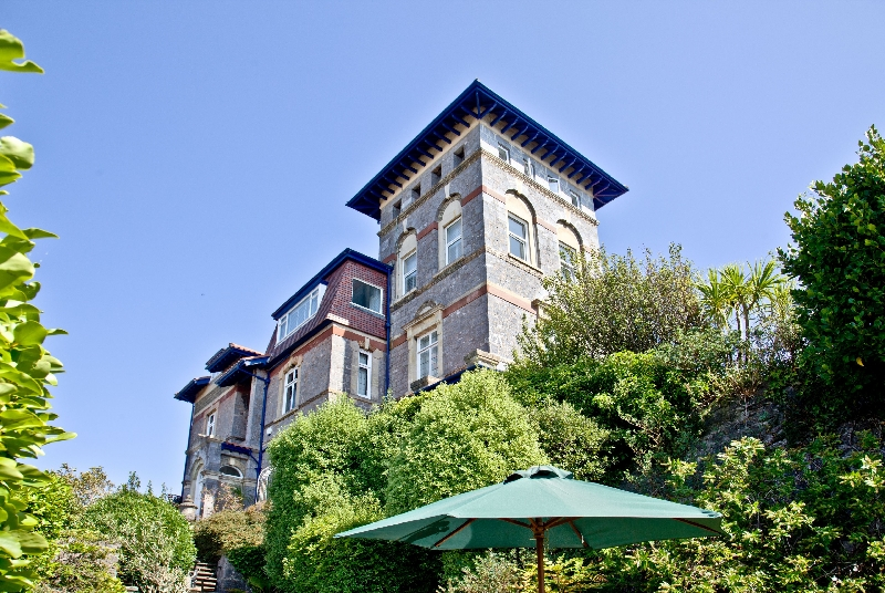 Vane Tower a british holiday cottage for 4 in ,