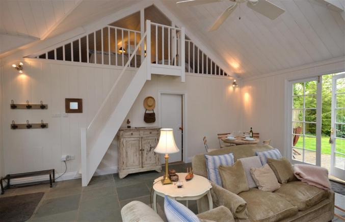 Oak Tree Cottage a british holiday cottage for 4 in ,