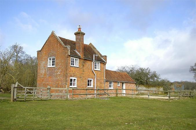 Royden Manor Annexe a british holiday cottage for 2 in ,