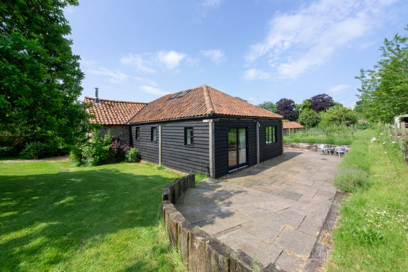 Apple Tree Barn a british holiday cottage for 4 in ,