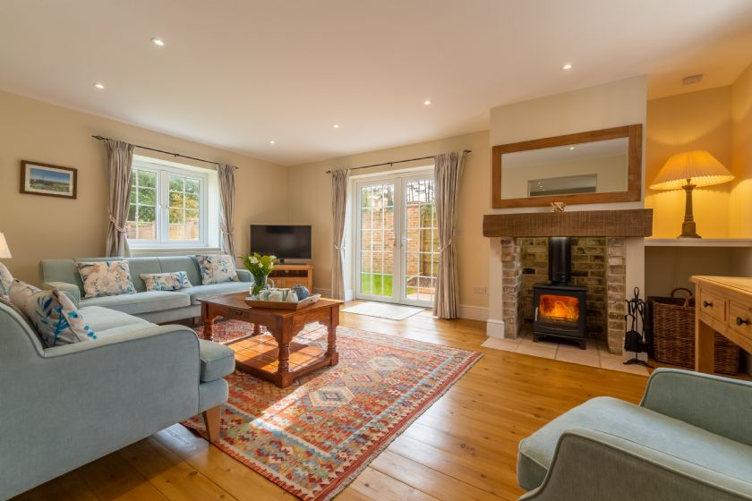 1 Hall Lane Cottages a british holiday cottage for 6 in ,