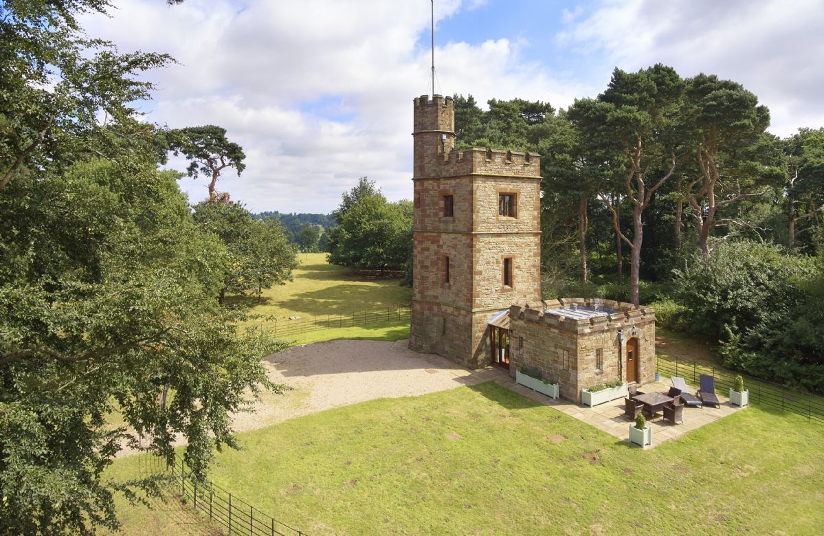 The Knoll Tower a british holiday cottage for 2 in ,