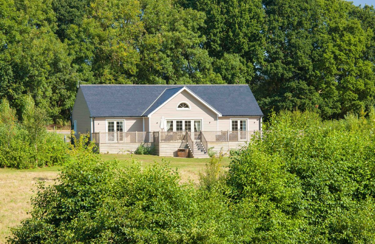 Endymion Lodge a british holiday cottage for 4 in ,