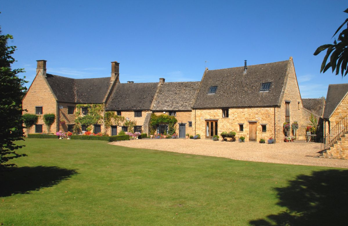 Stourton Manor a british holiday cottage for 10 in ,