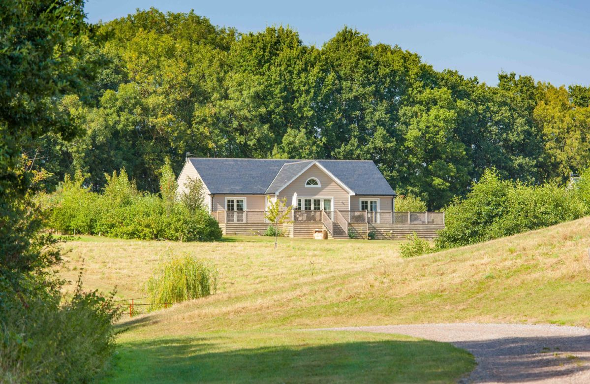 Woodbell Lodge a british holiday cottage for 4 in ,
