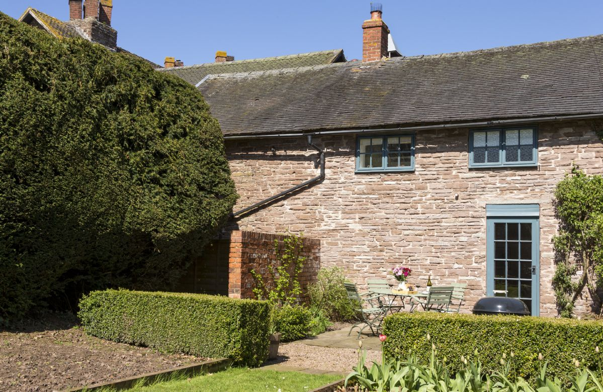 Yewtree Cottage a british holiday cottage for 4 in ,