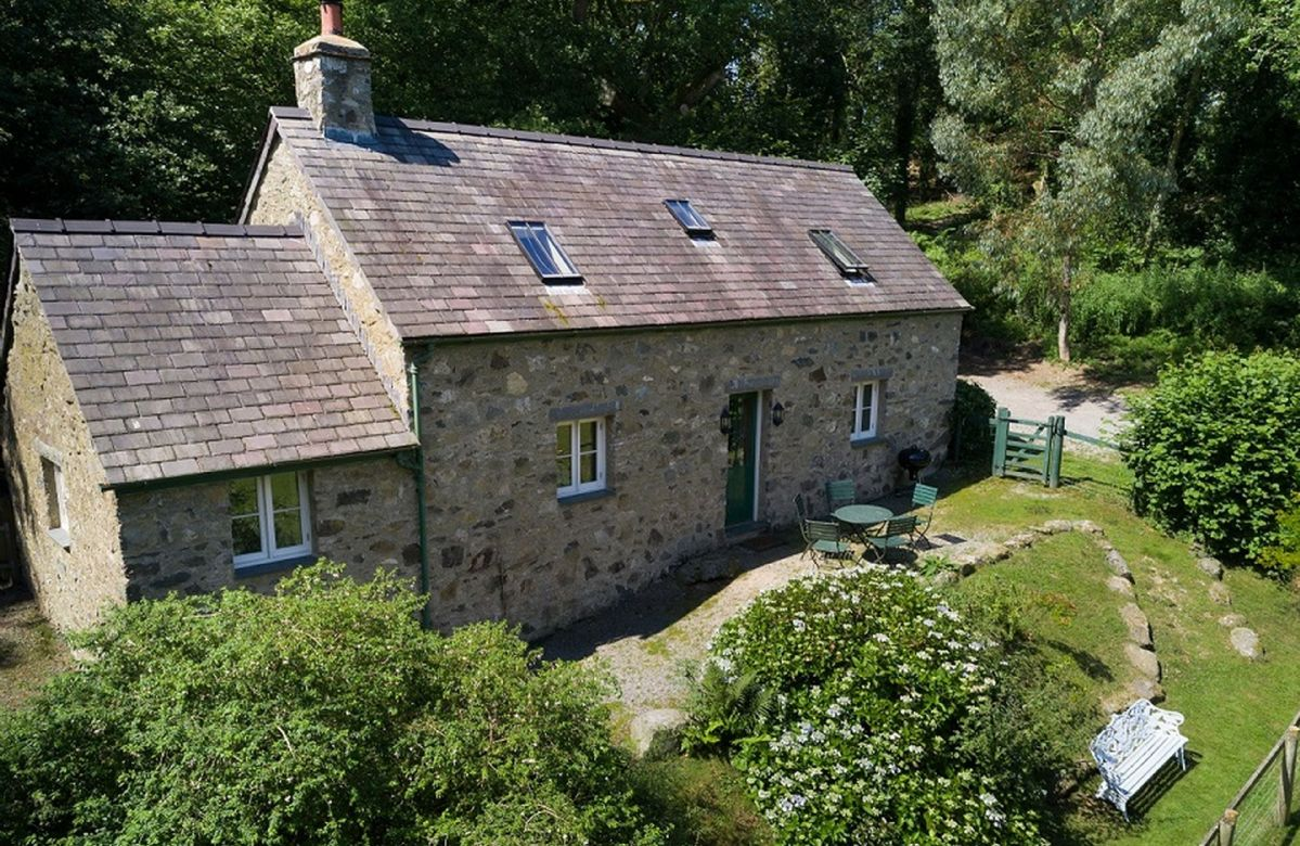Tyddyn Derwen a british holiday cottage for 5 in ,
