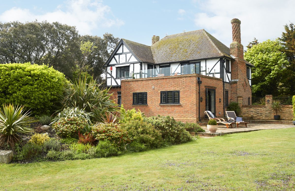 Lauriston a british holiday cottage for 8 in ,