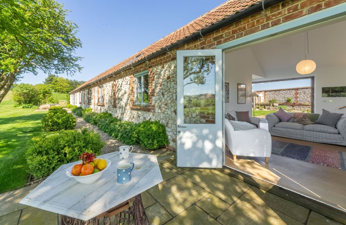 The Cart Shed a british holiday cottage for 8 in ,