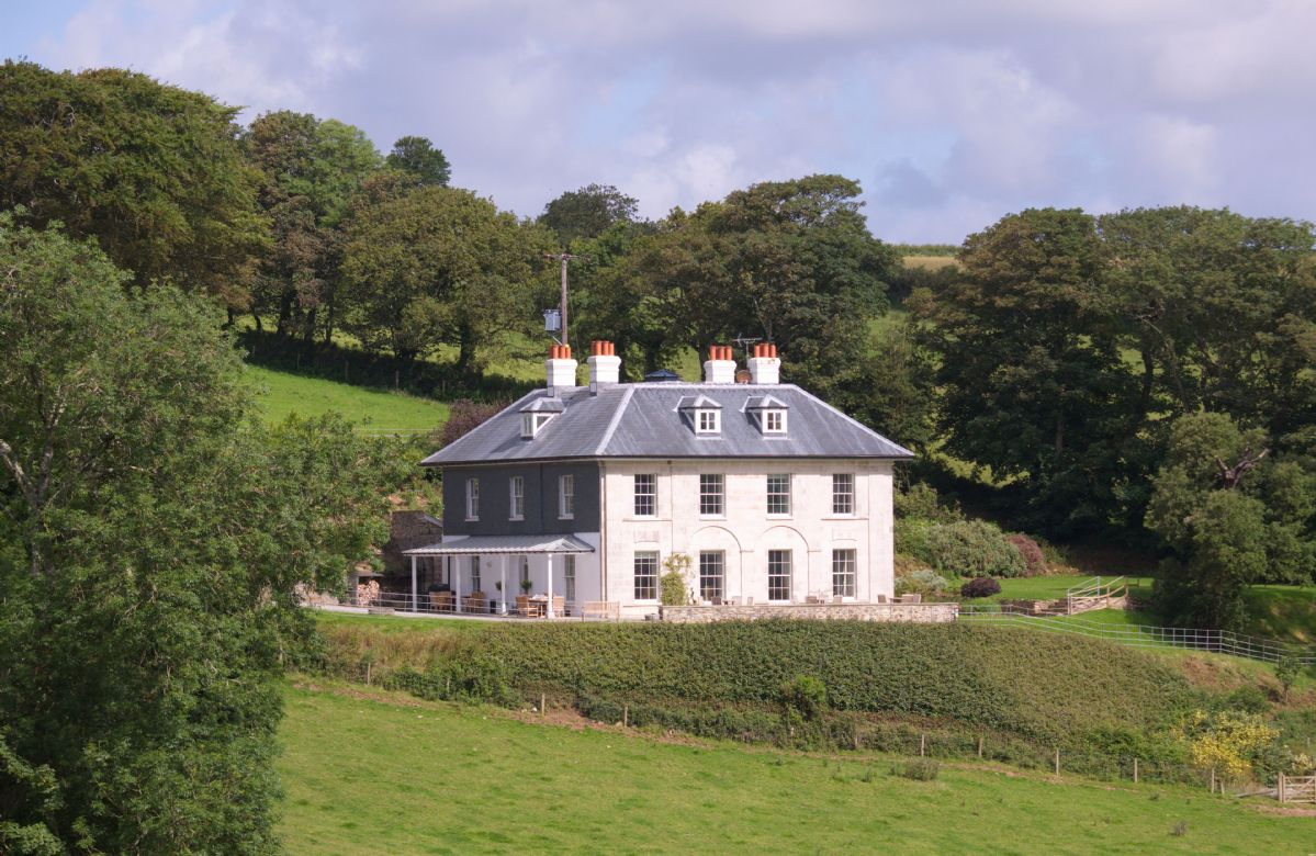 The Vean a british holiday cottage for 16 in ,