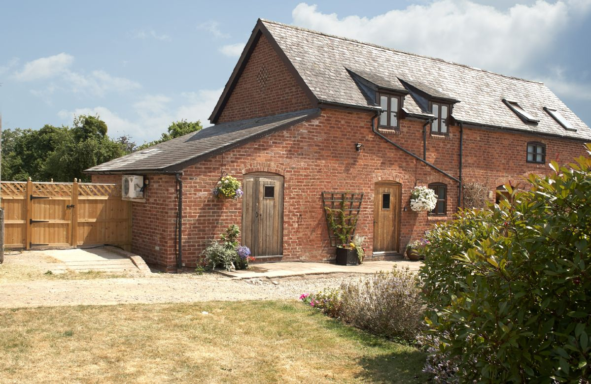 Pear Tree Cottage a british holiday cottage for 2 in ,