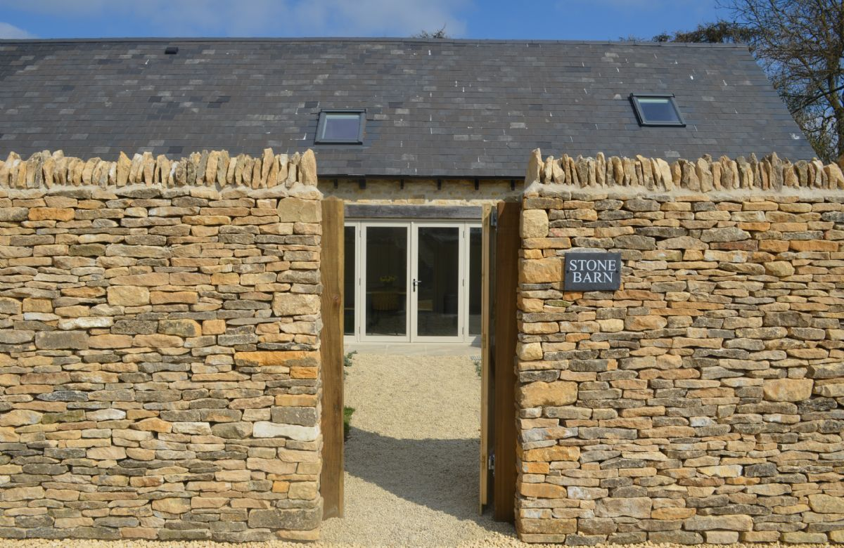 Stone Barn a british holiday cottage for 10 in ,