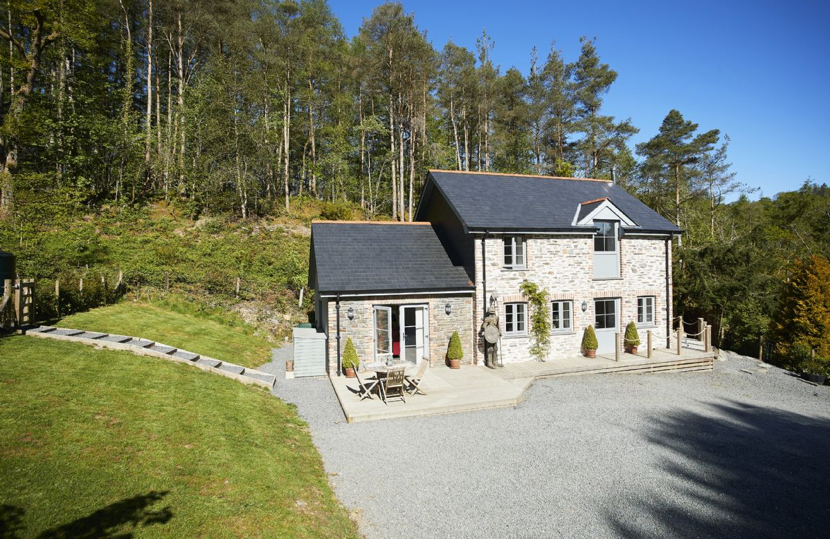 Wisteria Cottage a british holiday cottage for 4 in ,