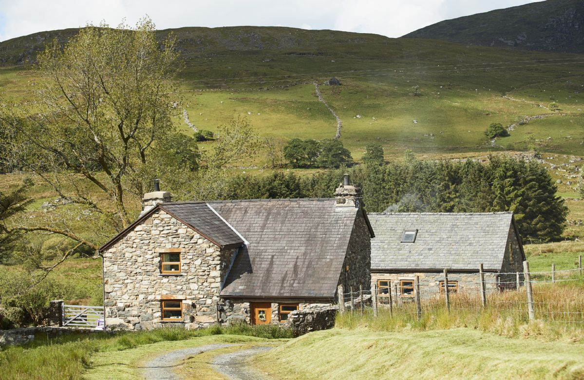 Ty Nant Cottage a british holiday cottage for 6 in ,