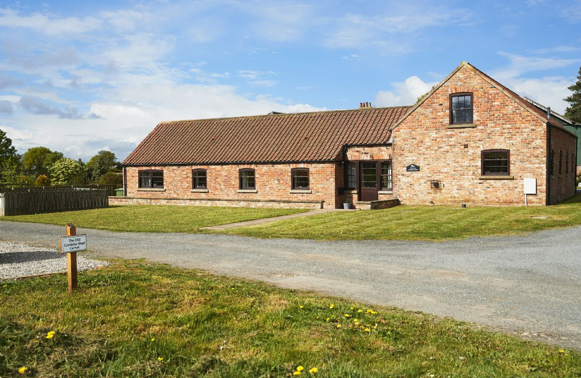 The Old Combine Shed a british holiday cottage for 7 in ,