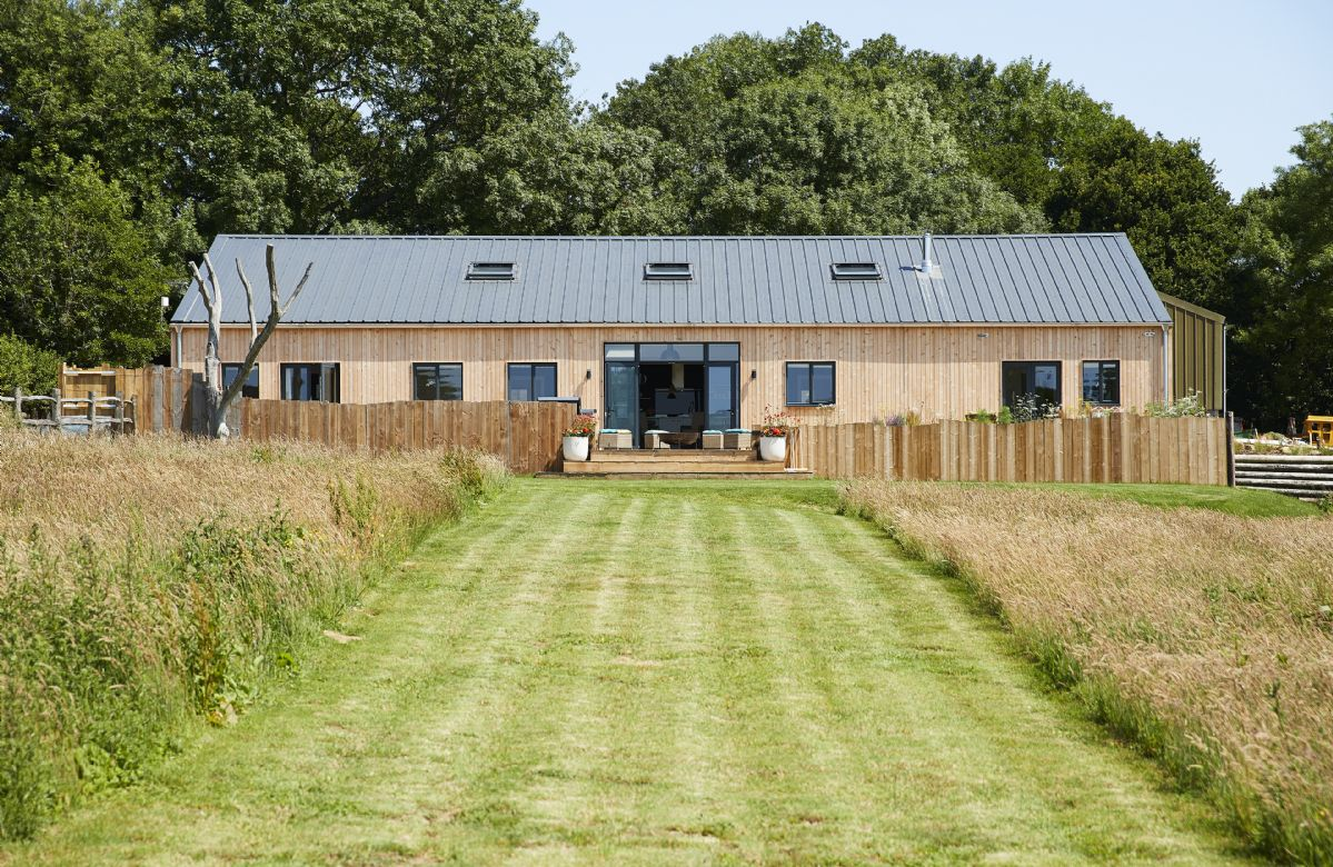 Bokes Barn a british holiday cottage for 12 in ,