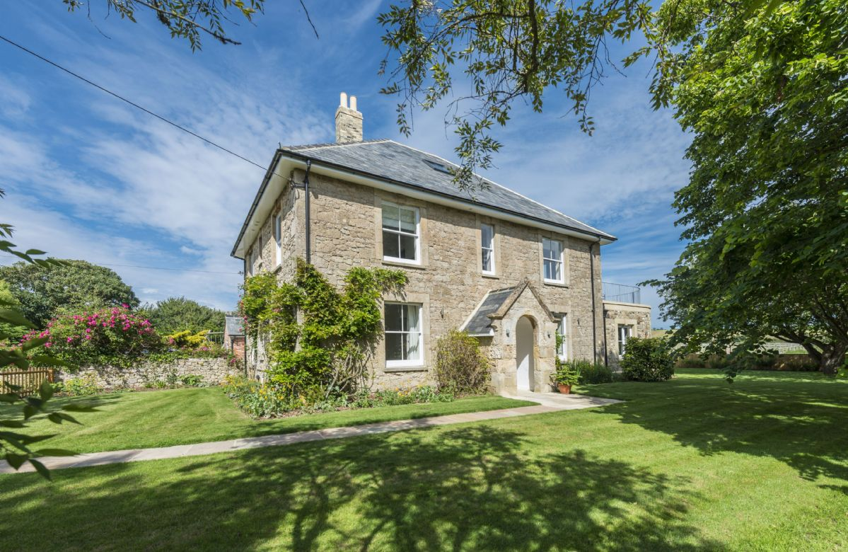 Brook Farmhouse a british holiday cottage for 11 in ,
