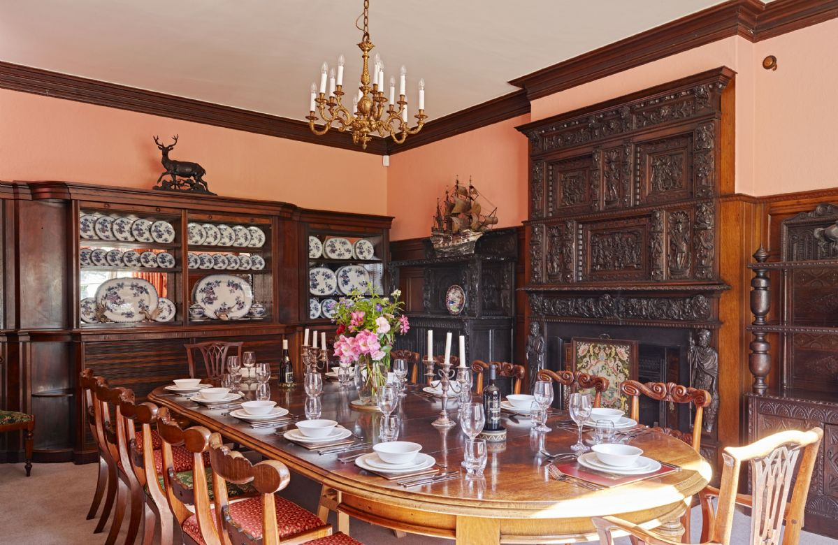 Sugnall Hall a british holiday cottage for 14 in ,