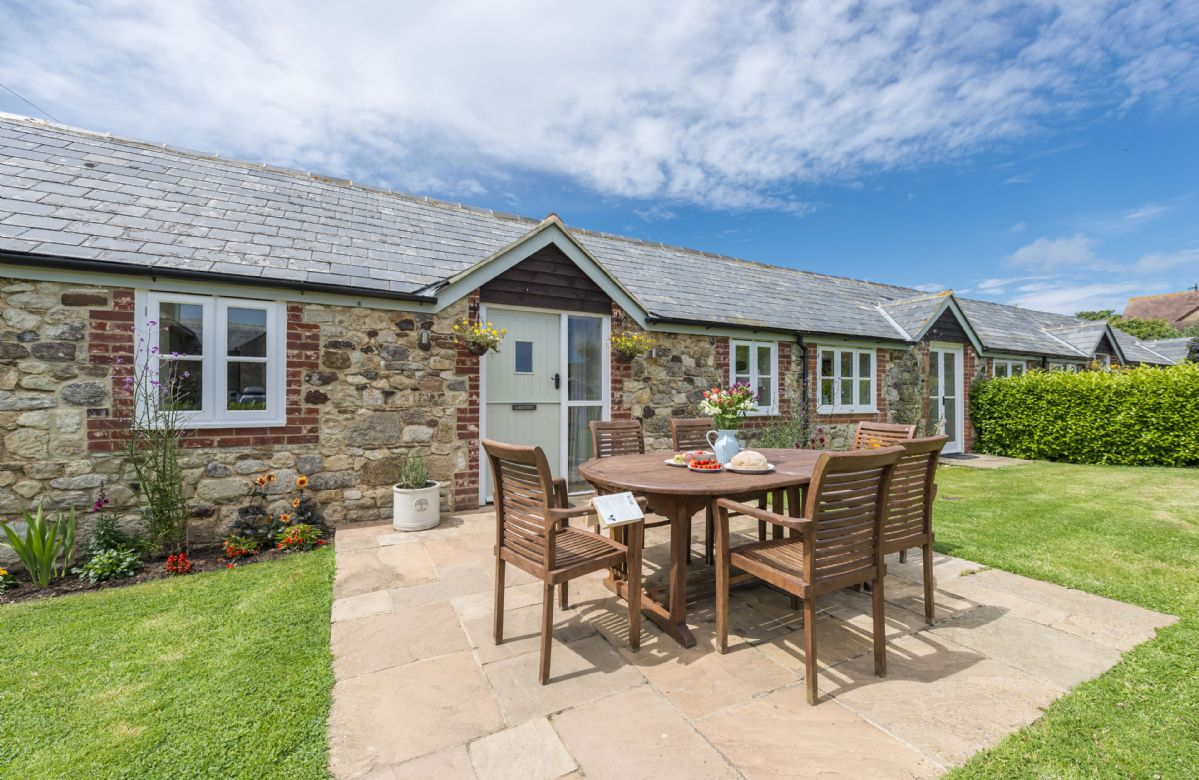 Click here for more about Chestnut Cottage