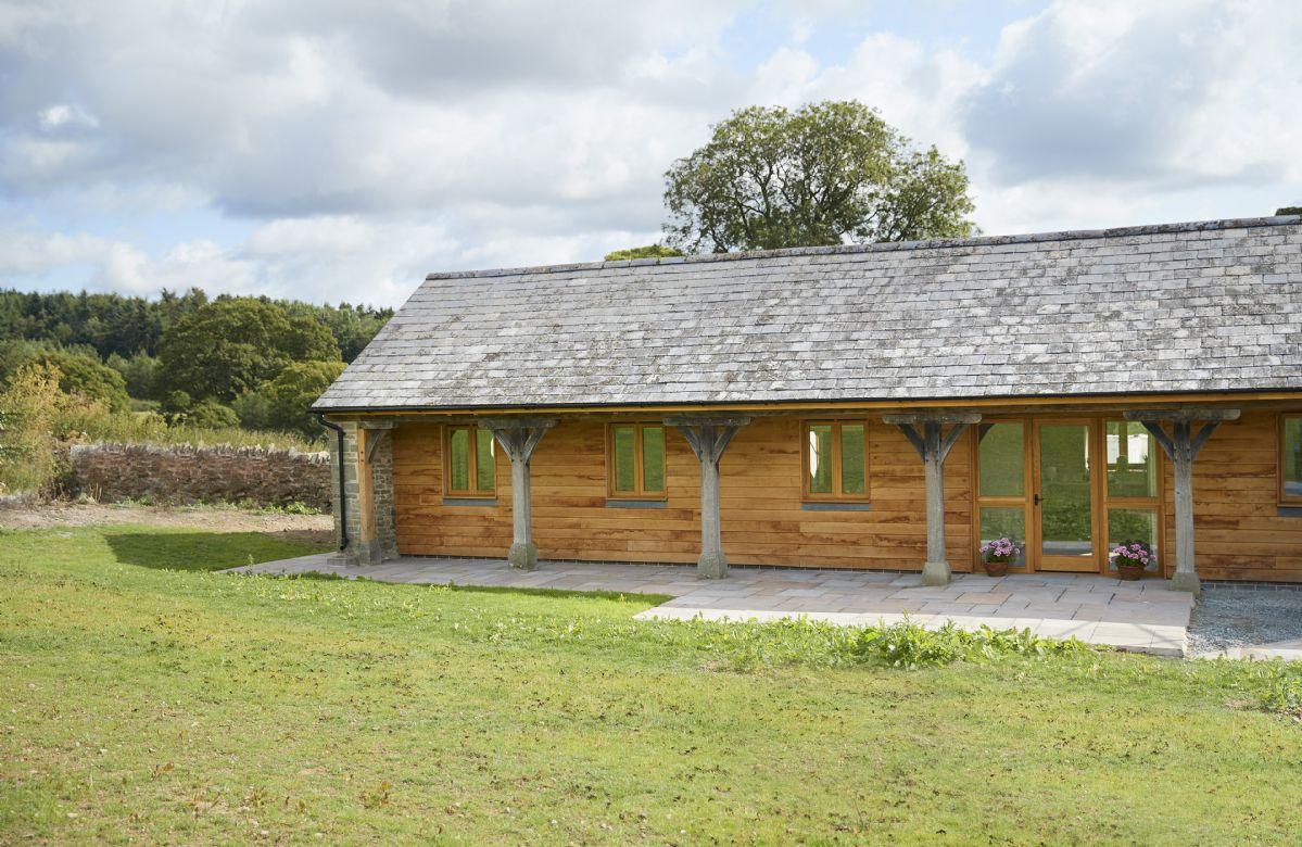 The Cart Shed a british holiday cottage for 4 in ,