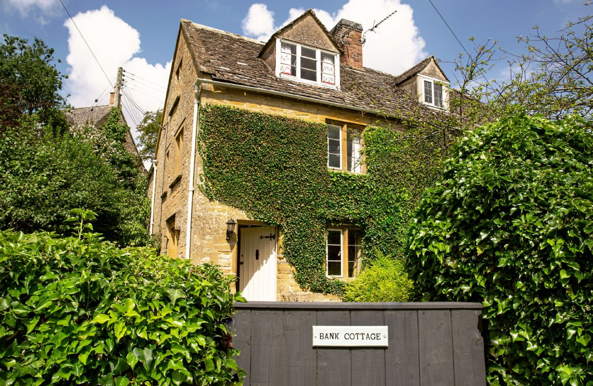 Bank Cottage a british holiday cottage for 6 in ,