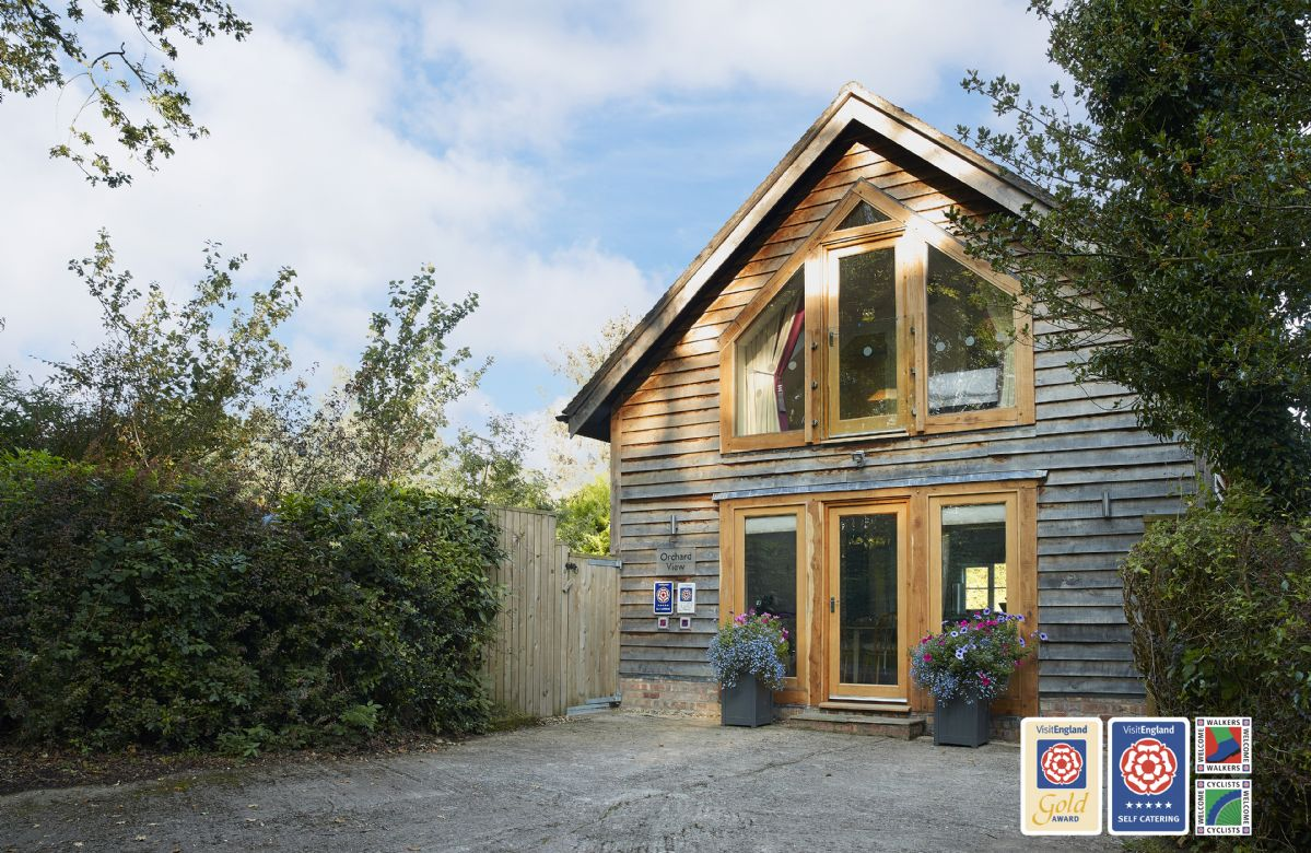 Orchard View a british holiday cottage for 4 in ,