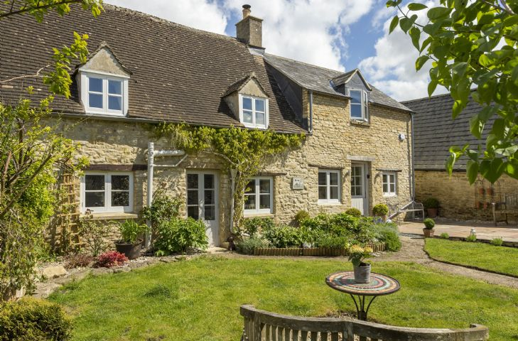 Mole End Cottage a british holiday cottage for 4 in ,