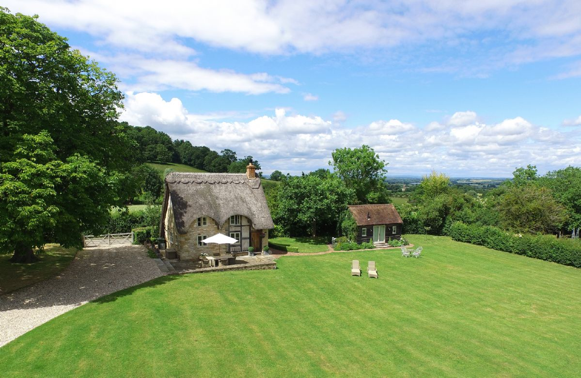 Field Cottage and Garden Room a british holiday cottage for 4 in ,