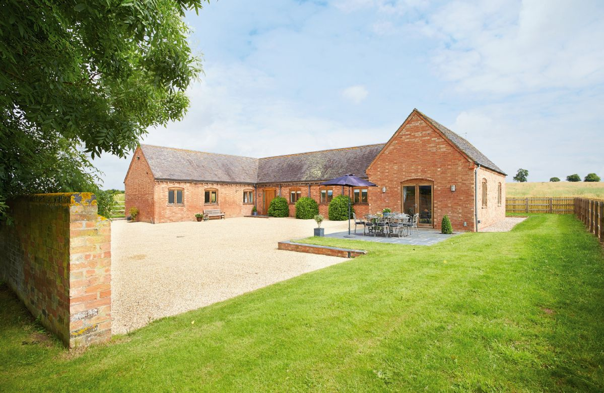 Furlong Barn a british holiday cottage for 8 in ,
