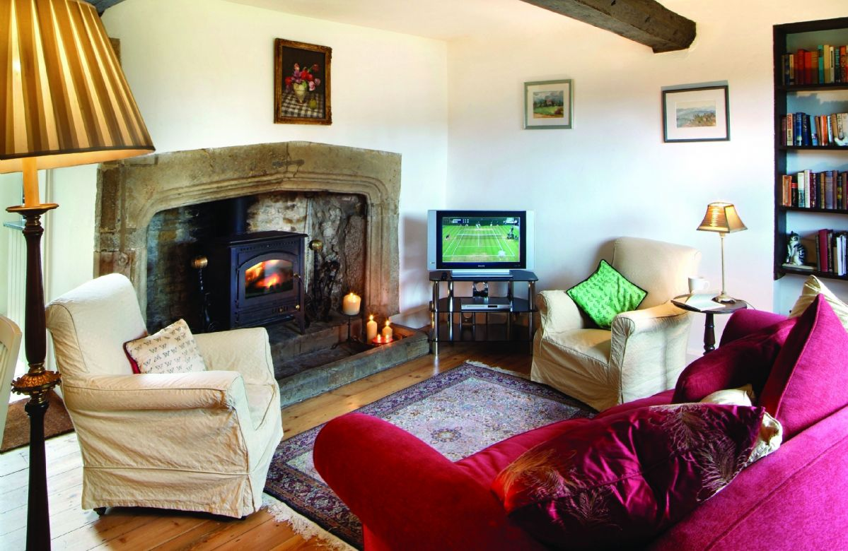 Tudor End a british holiday cottage for 4 in ,
