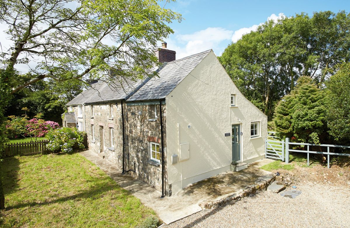 2 Tregroes Cottage a british holiday cottage for 4 in ,