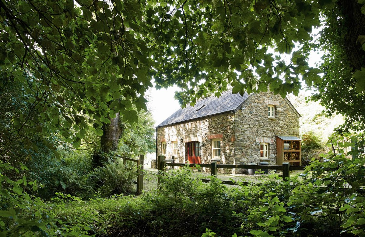 Cwm Bach a british holiday cottage for 4 in ,