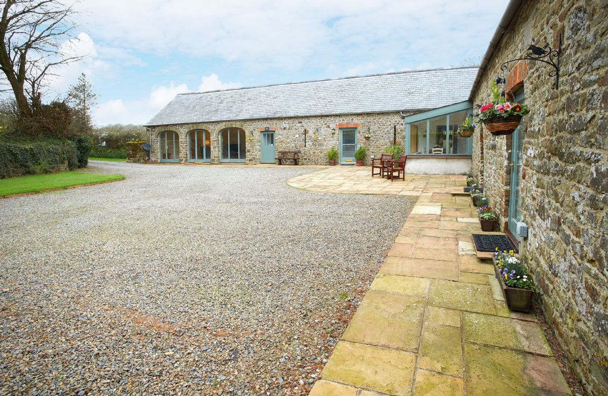 The Old Carthouse a british holiday cottage for 8 in ,